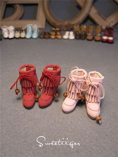 Item:1 pair of doll shoes,as pictures.    Sweetiiger is a studio,Professional design and production doll shoes,  doll shoes production process is very