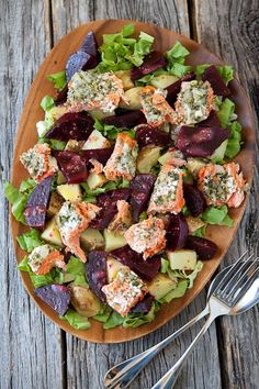Herbed Salmon and Beet Salad