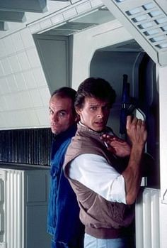 V (1984) - Michael Ironside and Marc Singer