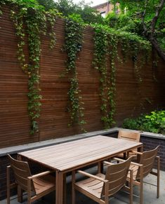 Creatively Partitioned Chelsea Townhouse On Three Levels - Gartengestaltung Pergola Patio, Backyard Landscaping, Pergola Kits, Patio Privacy, Outdoor Spaces, Outdoor Living, Outdoor Decor, Garden Screening, Walled Garden