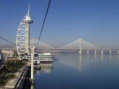 Parque das Nações, Torre e Ponte Vasco da Gama. Nations Park, Vasco da Gama Tower and Bridge.