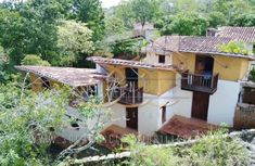 Casa en La Antigua Barichara Cabin, House Styles, Home Decor, Barichara, Style At Home, Real Estate, Antigua, Decoration Home, Room Decor
