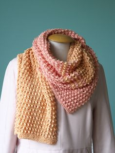 Kijk wat ik gevonden heb op Freubelweb.nl: een gratis breipatroon van Lidy Nooij om deze mooie sjaal te breien: https://www.freubelweb.nl/freubel-zelf/gratis-breipatroon-sjaal-13/