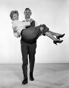 Doris Day and Richard Widmark stars a couple on the rocks in The Tunnel of Love (1958)