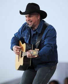 George Strait and Garth Brooks to perform together on ACM show in tribute to Dick Clark