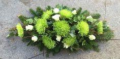 Funeral Flower Arrangements, Funeral Flowers, Arte Floral, Winter Wood Crafts, White Wreath, Natural, Ikebana, Flower Designs, Diy And Crafts