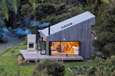 Back Country House by LTD Architectural « Inhabitat – Green Design, Innovation, Architecture, Green Building Accordion Glass Doors, Casas Containers, Cabins In The Woods, Bungalows, Open House, Tiny House, House 2, Small Houses, Future House