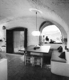 JOSE ANTONIO CODERCH - INTERIOR DE LA CASA SOLARIEGA CODERCH [L'espollá, Girona - 1964 ]