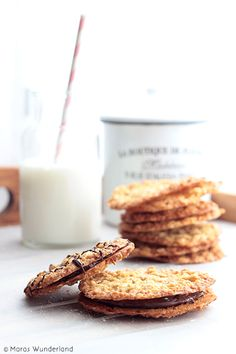 Ganbaroo loves oatmeal cookies with chocolate and nutella. Nutella Cookies, Galletas Cookies, Milk Cookies, Oatmeal Cookies, Torte Nutella, Baking Recipes, Cookie Recipes, Dessert Recipes, Oreo