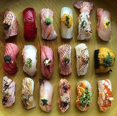 Sushi Buffet, Sushi Platter, Japanese Food Sushi, Japanese Desserts, Sushi Donuts, Sashimi Sushi, Sushi Lunch, Homemade Sushi, Food Gallery