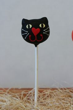 Black Cat Cake Pop by Sweet Lauren Cakes, via Flickr