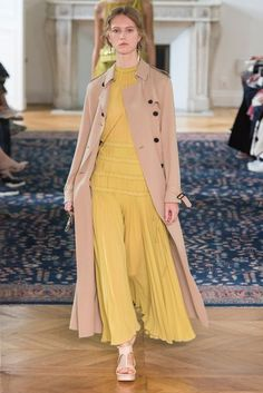 Valentino Spring/Summer 2017 Ready To Wear Collection | British Vogue