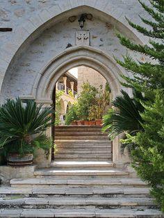 Das Kloster Panagia im Troodos Gebirge - Auswandern und Leben auf Zypern