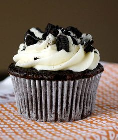 Megans Cookies and Cream Cupcakes