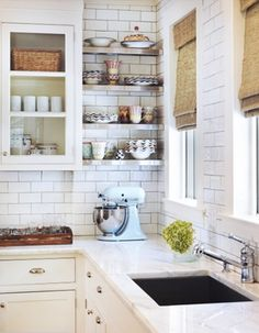 5 Thankful Tips AND Tricks: Small U Shaped Kitchen Remodel cheap kitchen remodel cases.Country Kitchen Remodel Chandeliers kitchen remodel on a budget ikea.Simple Kitchen Remodel On A Budget. Kitchen And Bath, New Kitchen, Kitchen Dining, Kitchen Decor, Kitchen White, Kitchen Corner, Kitchen Interior, Condo Kitchen, Cheap Kitchen