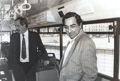 1989 girona  Joaquim Nadal i Joan Gelada dalt dels nous autobusos de línia de Girona