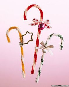 Pipe-Cleaner Candy-Cane Ornament How-To