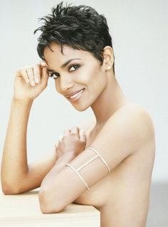Halle Berry nude pics galleries, Watch Halle Berry xxx and Lingerie, photo. Prefect Halle Berry's boobs are added to site. Very Short Haircuts, Short Hairstyles, Most Beautiful Eyes, Beautiful Women, Pictures Of Halle Berry, Hally Berry, Celebs, Celebrities, Pixie Cuts