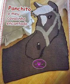 Tapete Infantil de Crochê em Formato de  Elefante e  Cavalo