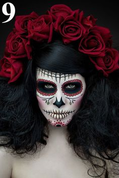 Calavera Makeup Sugar Skull Ideas for Women are hot Halloween makeup look.Sugar Skulls, Día de los Muertos celebrates the skull images and Calavera created exactly in this style for Halloween. Looks Halloween, Easy Halloween, Halloween Costumes, Haunted Halloween, Halloween Door, Diy Costumes, Cosplay Costumes, Maquillage Halloween Simple, Maquillaje Halloween