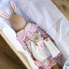 This listing is for 1 Valentines Heirloom bunny, handmade in the U. by Katy Livings. She has a removable dress made from beautiful Liberty of London Tana lawn fabric in Wiltshire Berry pink, with a little Peter Pan collar made from linen/cotton. Baby Bunnies, Easter Bunny, Muñeca Diy, Somebunny Loves You, Mohair Fabric, Fabric Animals, Lawn Fabric, Valentine Special, Sewing Dolls