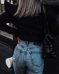 Photo shared by Lindsey Lutz | Life Lutzurious on December 07, 2020 tagging @shopbop, @ysl, and @abercrombie. May be an image of one or more people, hair, people standing and outerwear. Spring Fashion Outfits, Spring Fashion Trends, Mom Style, Ysl, Everyday Fashion, Stylish Outfits, High Fashion, December, Style Inspiration