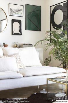 taulut,ikea,sohvapöytä,talja,lasipöytä