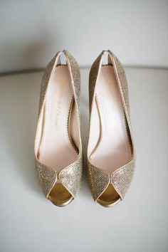 Sparkly, peep-toe pumps - love these bridal shoes! {@stephdeephoto; Shoes: Jean-Michel Cazabat}