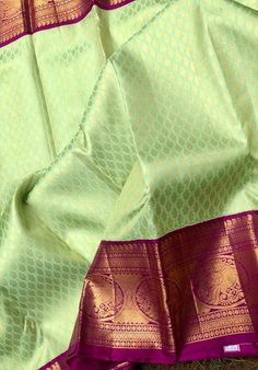 South Indian Wedding Saree, Indian Bridal Sarees, Wedding Silk Saree, Wedding Saree Blouse Designs, Pattu Saree Blouse Designs, Simple Saree Designs, South Silk Sarees, Latest Silk Sarees, Traditional Silk Saree