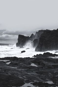 58 Ideas black and white nature photography ocean Black And White Photo Wall, Black N White, Black And White Photography, Black White Photos, Black And White Aesthetic, Aesthetic Colors, Aesthetic Yellow, Regulus Black, Monochrome