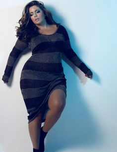 Plus Model Fluvia Lacerda in Cult Magazine's November 2011 issue. Fluvia Lacerda is signed with Bella Model Management, Ben Barry Agency Inc, Hughes Models, and Models Looks Plus Size, Curvy Plus Size, Plus Size Women, Mode Club, Xl Mode, Curvy Girl Fashion, Plus Size Fashion, Womens Fashion, Plus Size Dresses