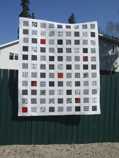 Tamarack Shack: Black and White Quilt with organic straight line quilting (explained in the post)