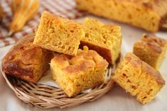 Cornbread, Pizza, Ethnic Recipes, Cakes, Food, Halloween, Pies, Millet Bread, Food Cakes