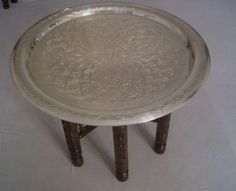 http://st.houzz.com/simgs/6d51405f00793991_4-1875/traditional-side-tables-and-end-tables.jpg