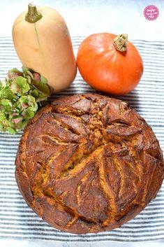Herbst im Brotkorb: Kürbisbrot & Kürbisweckerl - sugar&rose Vegetables, Food, National Day Holiday, Carving Pumpkins, Essen, Vegetable Recipes, Meals, Yemek, Veggies