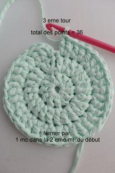 Crochet basket 697846904747895436 - knitting gloves pattern kids & knitting gloves pattern + knitting gloves pattern free + knitting gloves pattern fingerless mittens + knitting gloves pattern free simple + knitting Source by gwenorekfyurkanin Plaid Crochet, Crochet Baby Cardigan, Crochet Diy, Crochet Round, Double Crochet, Crochet Hooks, Crochet Stitches, Crochet Basket Pattern, Crochet Patterns
