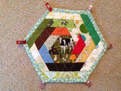 hexagon hot pad/mug rug tutorial...esp binding!