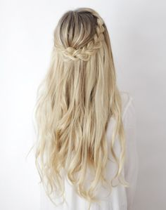 kassinka braid hairstyle .. Long, loose curls with thick braided crown