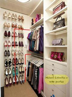 Um closet pequeno no quarto pequeno (via Bloglovin.com )