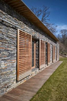 Ideas Wood Architecture Facade Fence For 2019 Outdoor Shutters, Cedar Shutters, Rustic Shutters, Exterior Shutters, Timber Windows, Wood Architecture, Window Screens, Wood Pallets, Pergola
