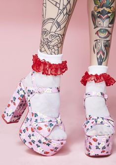 Sugar Thrillz Picked First Platform Sandals cuz they best are always first, duh! Twirl with these vegan leather platform sandals that have a cute af daisy N' strawberry print all ova and buckle closures. Pretty Shoes, Cute Shoes, Me Too Shoes, Pastel Goth Fashion, Kawaii Fashion, Fish Net Tights Outfit, Dolls Kill Shoes, Fairy Shoes, Fashion Shoes