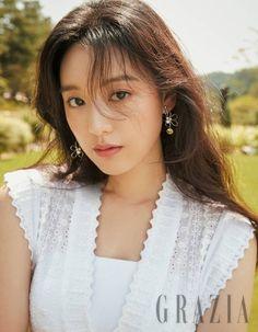 Kim Ji Won Epitomizes Countryside Charm in New Grazia Pictorial Featuring Jo Malone Scents Female Actresses, Korean Actresses, Actors & Actresses, Korean Beauty, Asian Beauty, Korean Celebrities, Celebs, Korean Girl, Asian Girl