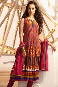 Cambric print suit with handwork