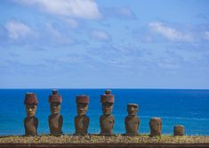 Historians have long wondered why Easter Island's famous statues are mostly located on the coast of the remote Pacific island – now a team of archaeologists has come up with an answer. Drawing Sites, Chili, Angel Statues, Buddha Statues, Archaeology News, 17th Century Art, Stone Statues, Archaeological Finds, Easter Island