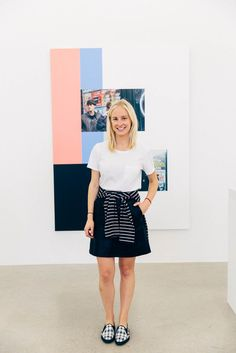 12 Minimalist Looks To Copy Now, Courtesy Of Everlane #refinery29  Everlane's own Alyssa Bergerson looks adorable in a Zara skirt and Everlane tee and shoes.