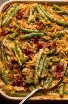 Cheesy Bacon Green Bean Casserole Side Dish Recipes, Dinner Recipes, Holiday Recipes, Bean Recipes, Yummy Recipes, Dinner Ideas, Casserole Dishes, Casserole Recipes, Green Bean Casserole Bacon
