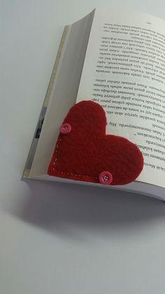 #bookshelf #red #heart #love #mytriying #kitapayrac #turkey