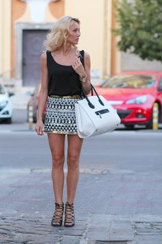 Fashion Spot: Walking down the street...