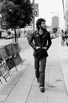 They don't make 'em this good looking anymore... Bruce Springsteen