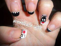 Silvester the cat nails - Nail Art Gallery Cat Nail Art, Animal Nail Art, Cat Nails, New Year's Nails, Hair And Nails, Little Girl Nails, Girls Nails, French Tip Nails, Nail Envy